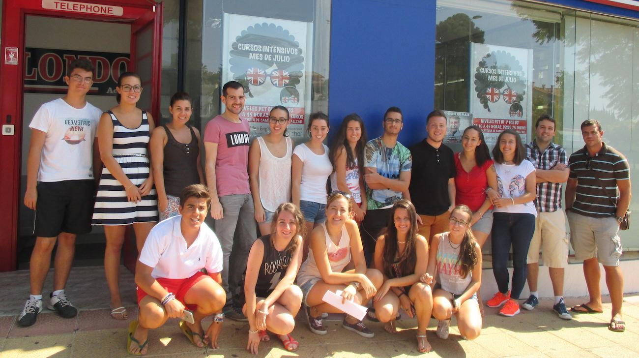 Alumnos del curso intensivo de inglés en Málaga
